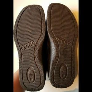 ECCO black suede slip ons. Size 41 unisex Comfy!